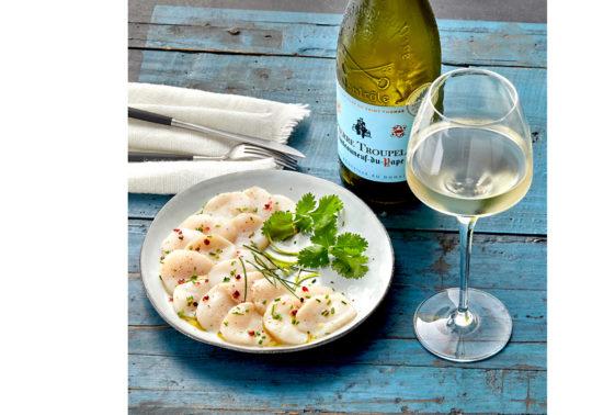 Photographie culinaire Pauline Daniel pour le Domaine viticole Chateau Calissane, Accord met et vin, stylisme culinaire Pauline Daniel
