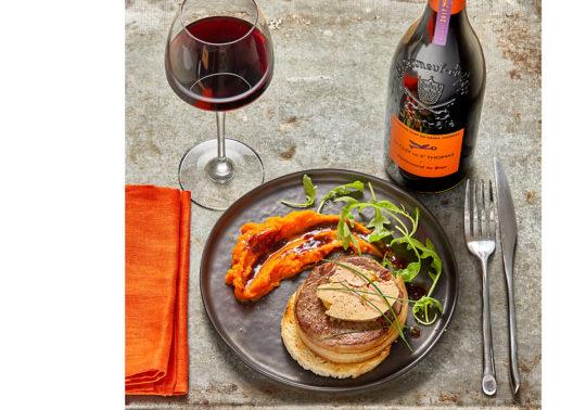 Tournedos rossini, Photographie culinaire Pauline Daniel pour le Domaine viticole Chateau Calissane, Accord met et vin, stylisme culinaire Pauline Daniel
