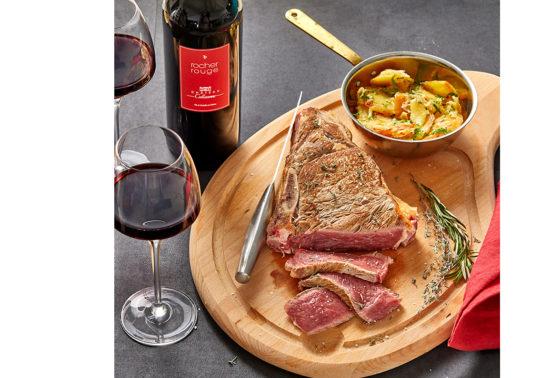 Cote de boeuf, Photographie culinaire Pauline Daniel pour le Domaine viticole Chateau Calissane, Accord met et vin, stylisme culinaire Pauline Daniel