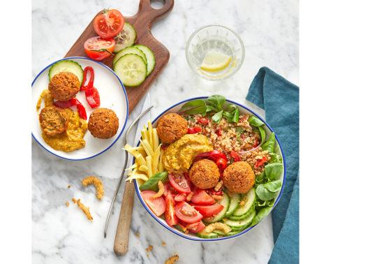 Buddha bowl méditerranéen, Photographie culinaire Pauline Daniel pour Jean Martin, stylisme culinaire Annelyse Chardon