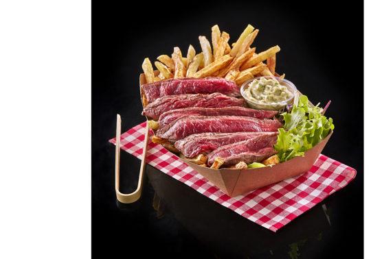 Barquette de viande de boeuf de l'Aubrac, Photographie culinaire Pauline Daniel pour Bodus, stylisme culinaire Pauline Daniel