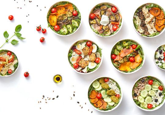 Mise en scène des salades de la marque Edgar, Photographie culinaire Pauline Daniel, stylisme culinaire Pauline Daniel